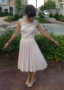 vintage dress, www.erinsnotions.com