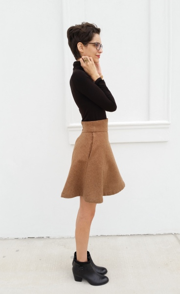 Wool skirt in tan