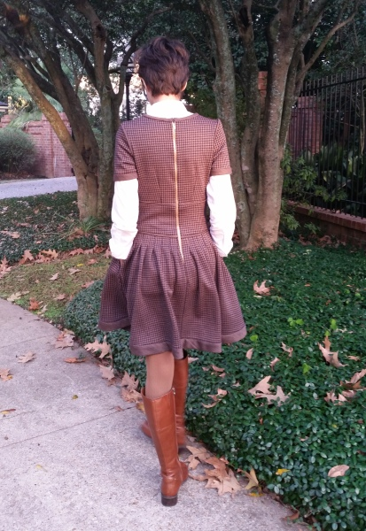 knit wool dress for the winter with pockets and pleated skirt