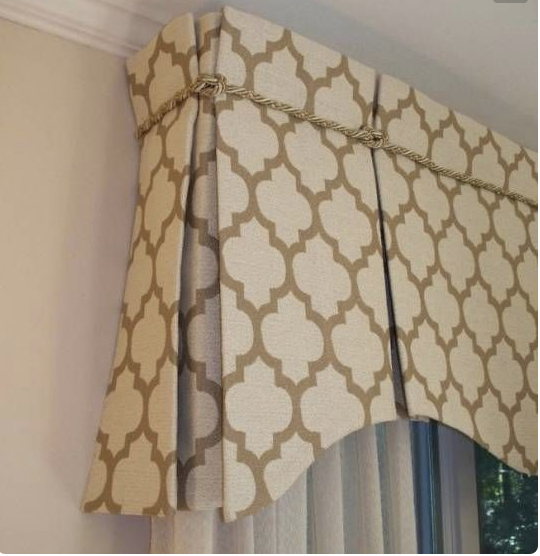 Tailored pleat valance