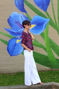 White, wide leg and high waisted pants for spring/summer